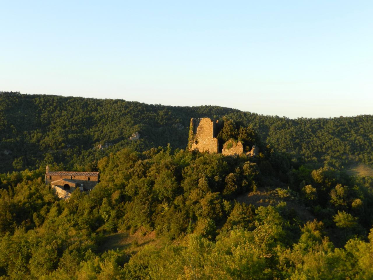 Château de Belcastel et Buc (à 17km)