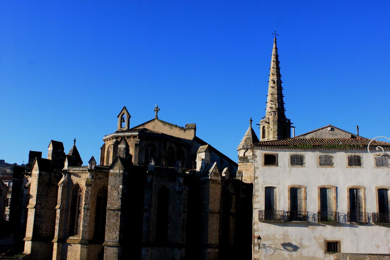 Eglise St Martin de Limoux (à 5km)