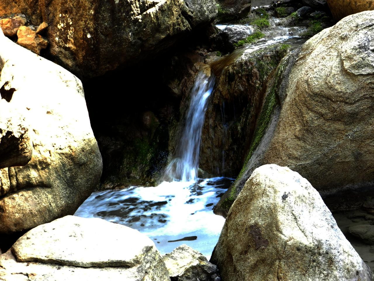 Fontaine salée de Sougraigne (à 35km)